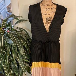 BCBGMAXAZRIA L GORGEOUS SILK LAYERED DRESS!